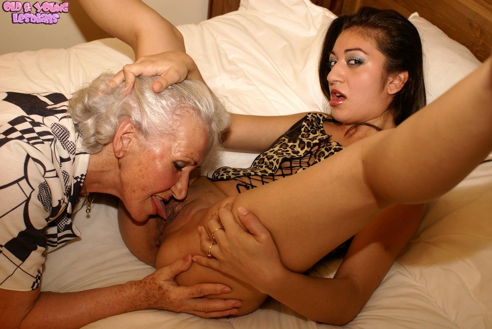Grandma and granddaughter lesbian porn