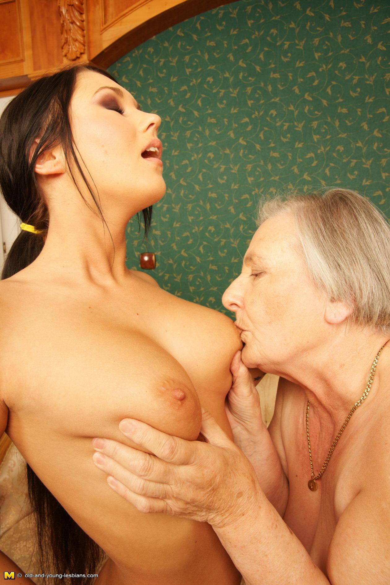 Play loves to Lesbian granny