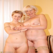 Older lesbian taking on a hot babe