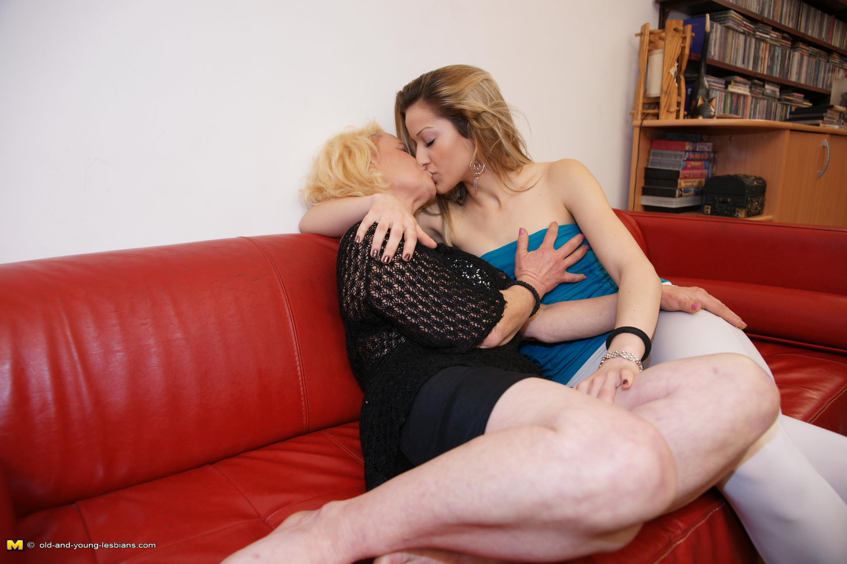 naked mature couple