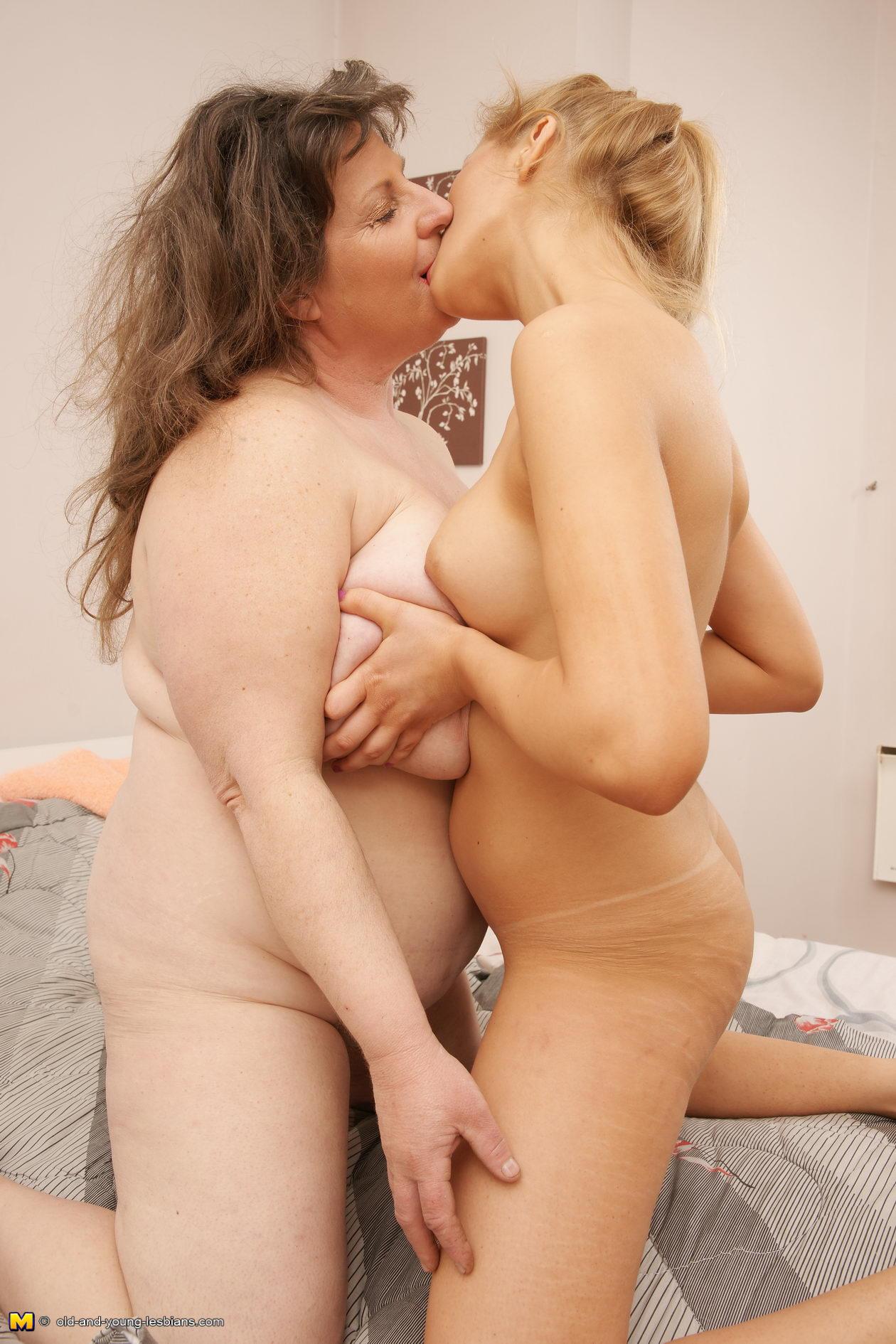 Older women lesbian sex