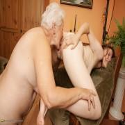 Horny hot babe doing her mature lesbian girlfriend