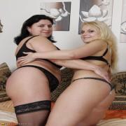 Hot lesbian babe doing her chubby mature girlfriend