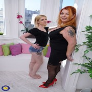 Curvy housewife taking on a hot steamy lesbian babe