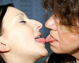 Lick that hairy old muff with your kinky cherry tongue