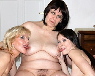 Two mature sluts lez up a horny young babe