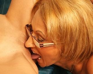 kinky mama licking the girl next door at the pool